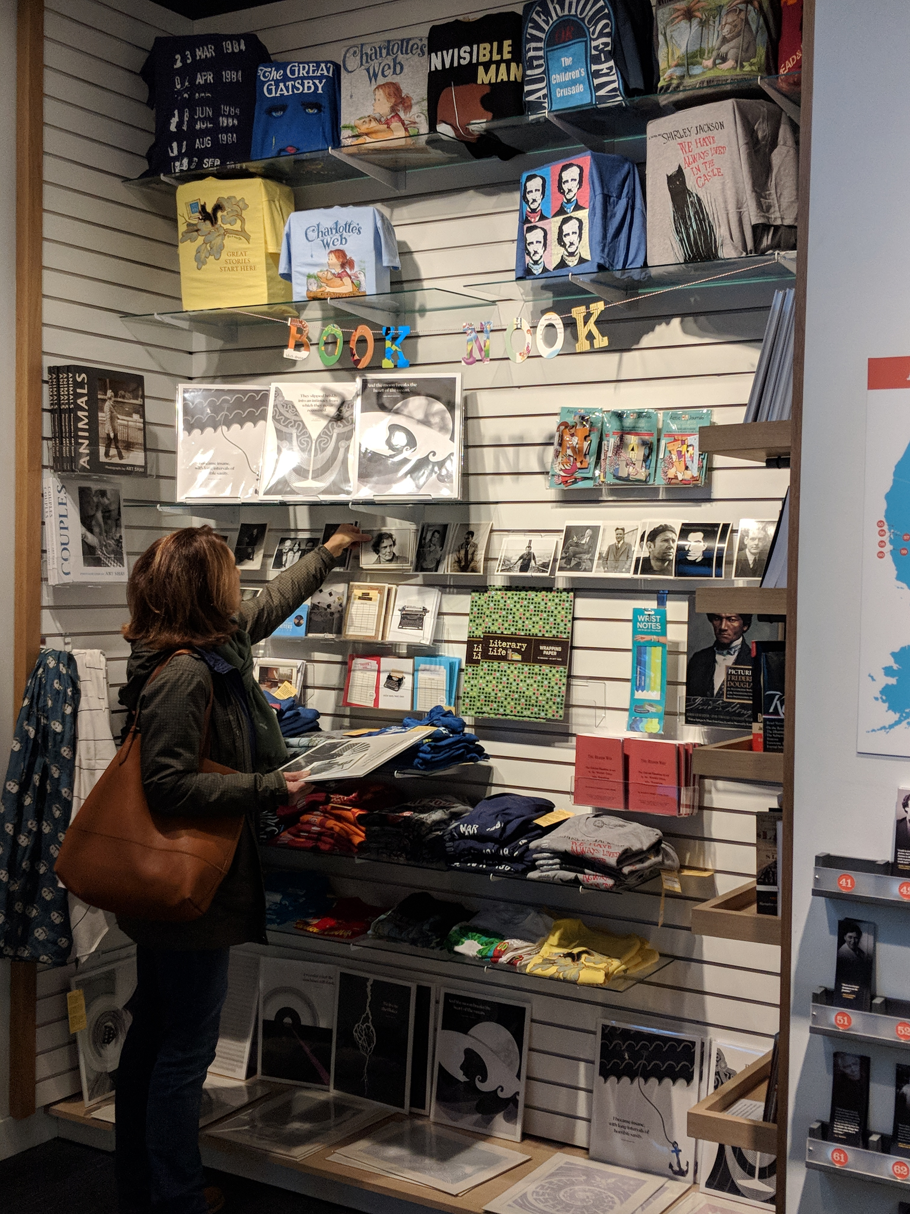 5 Chicago Museum Stores For Cool Gifts | Choose Chicago Throughout Art Institue Of Chicago Shop Yearly Calendar