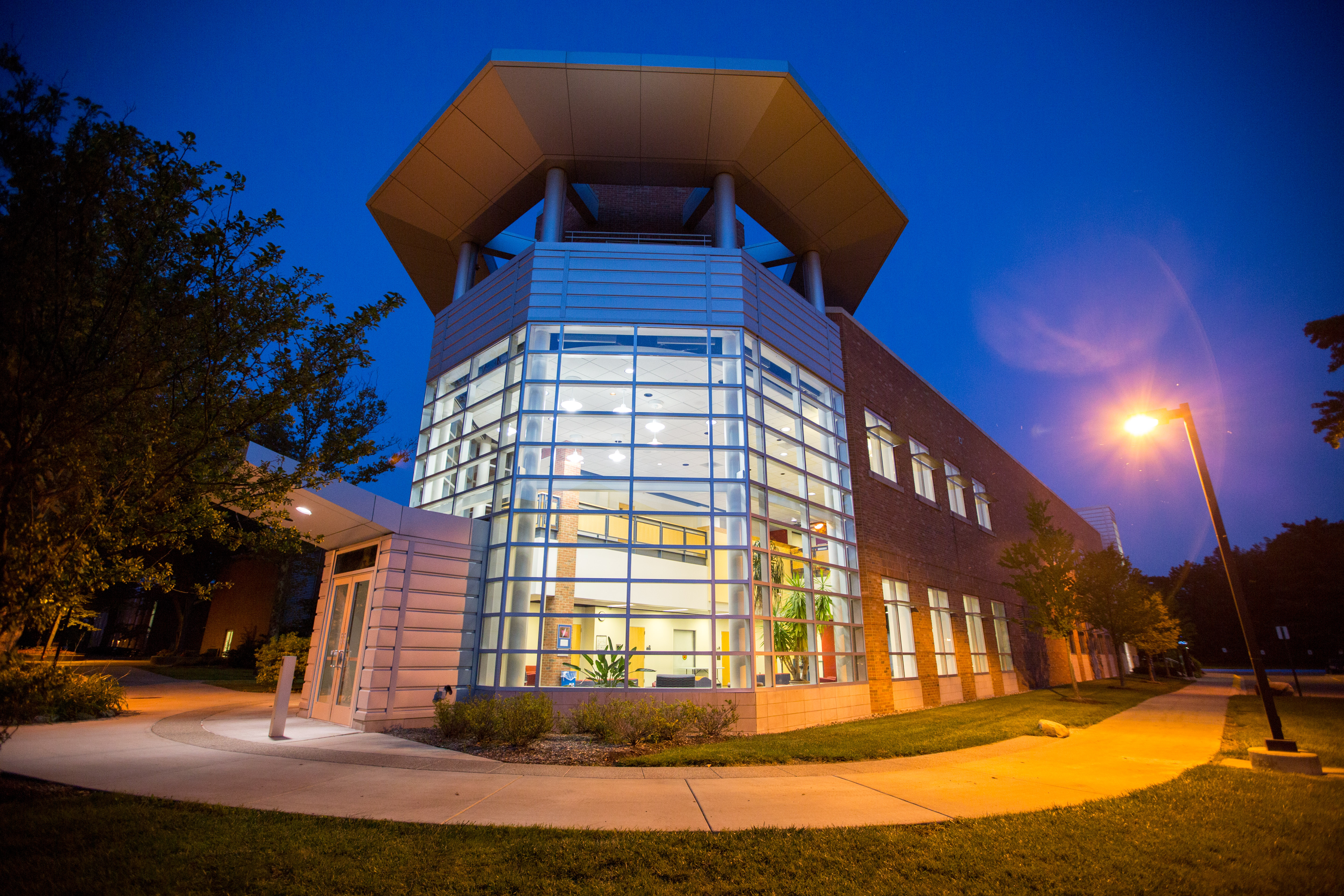 Campus Visits & Events with U Of M Dearborn Events