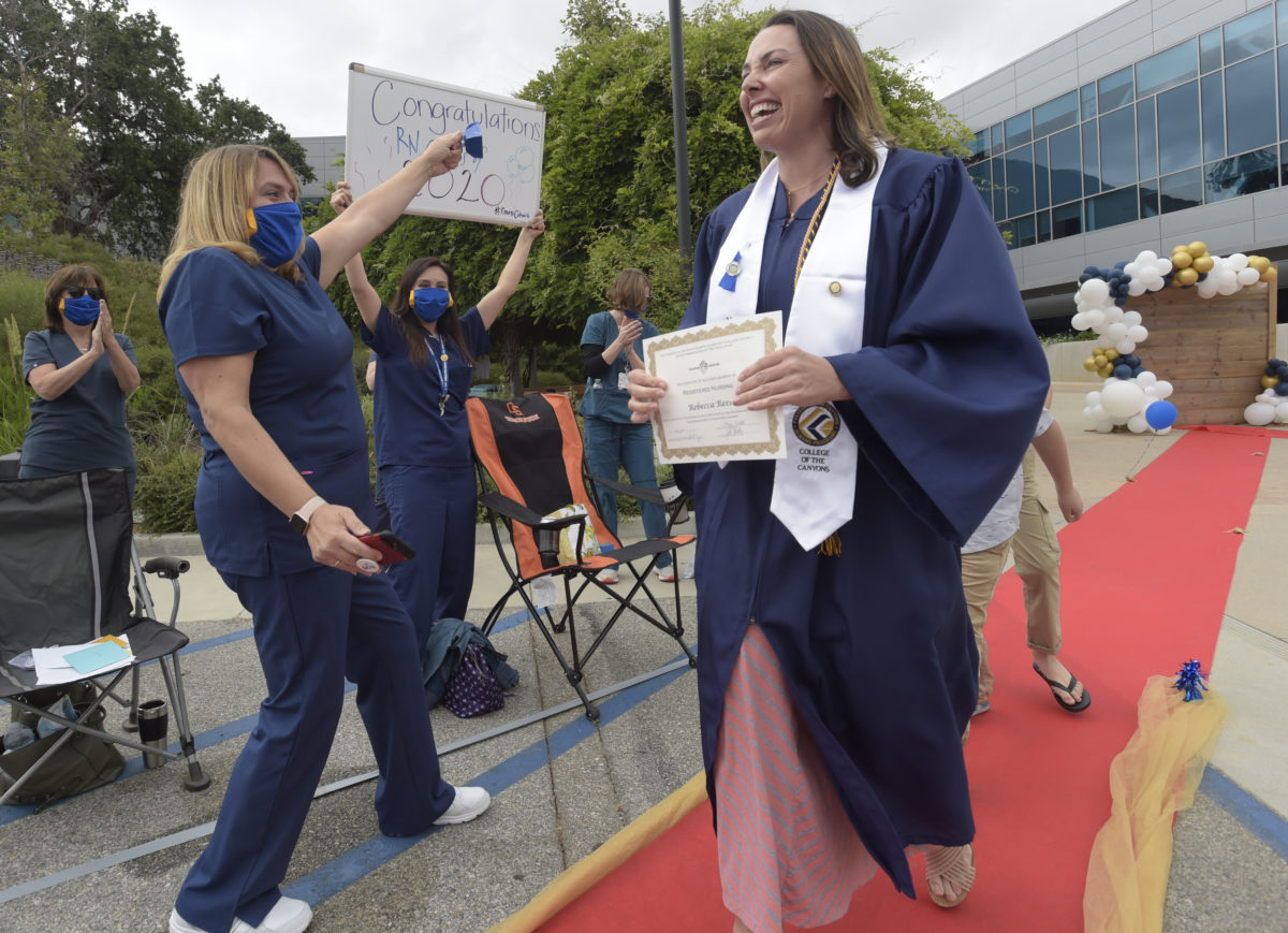College Of The Canyons Celebrates 50Th Graduating Class For When Does The Spring Semester Start At College Of The Canyons