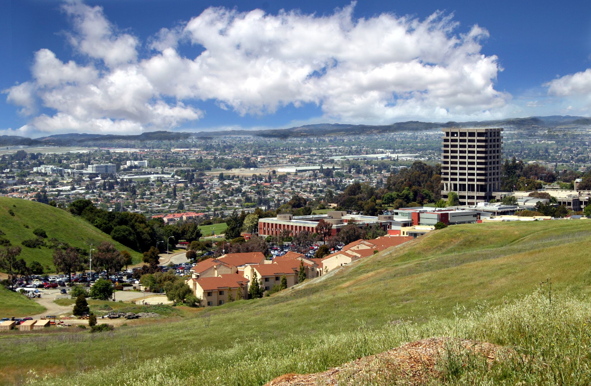 Файл:csueb View — Вікіпедія With Fall Break For Cal State Eat Bay