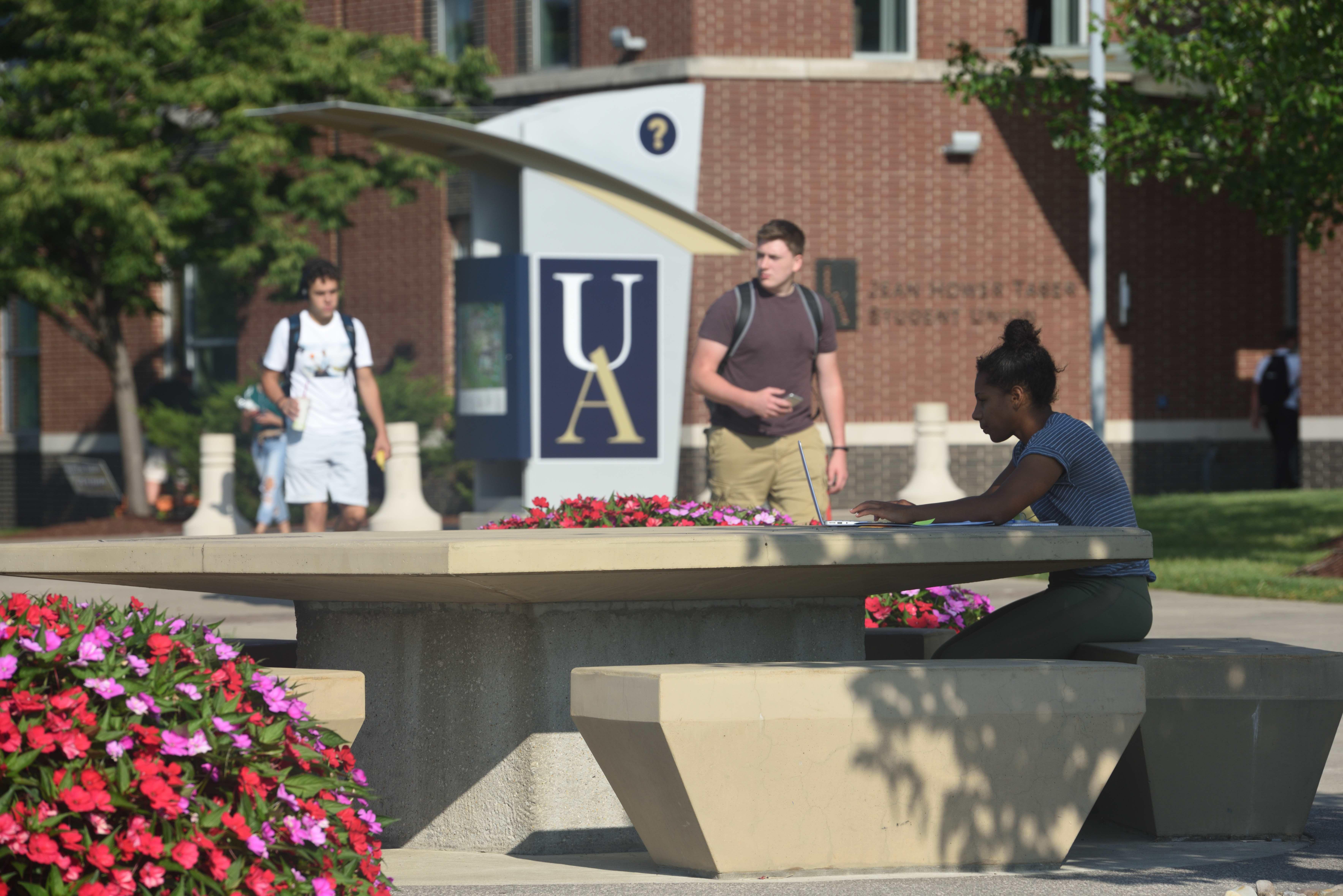 Morning Headlines: Ohio Schools Covid 19 Update; Events In Akron University Spring Break 2020