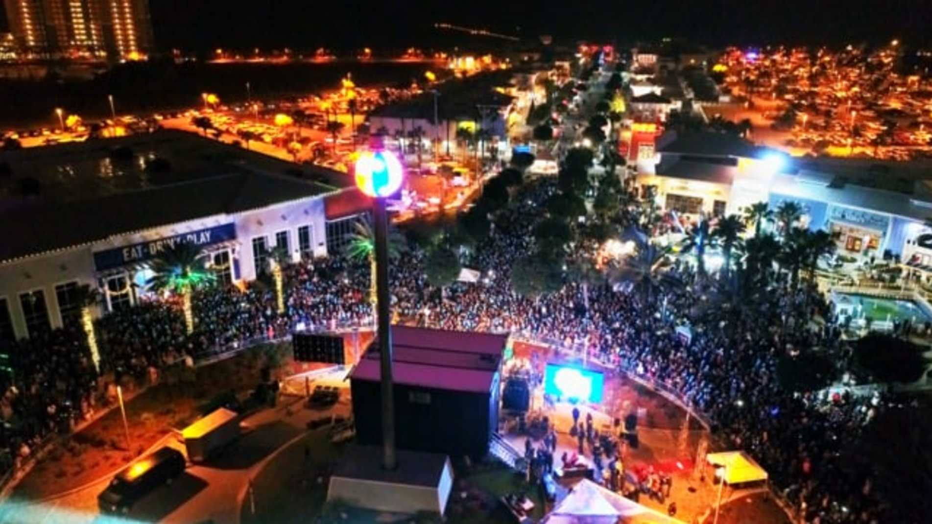 New Year's Eve Beach Ball Drop, Dec. 31, 2020   Pcb Holiday With Regard To Panama City Beach Concerts February 2021