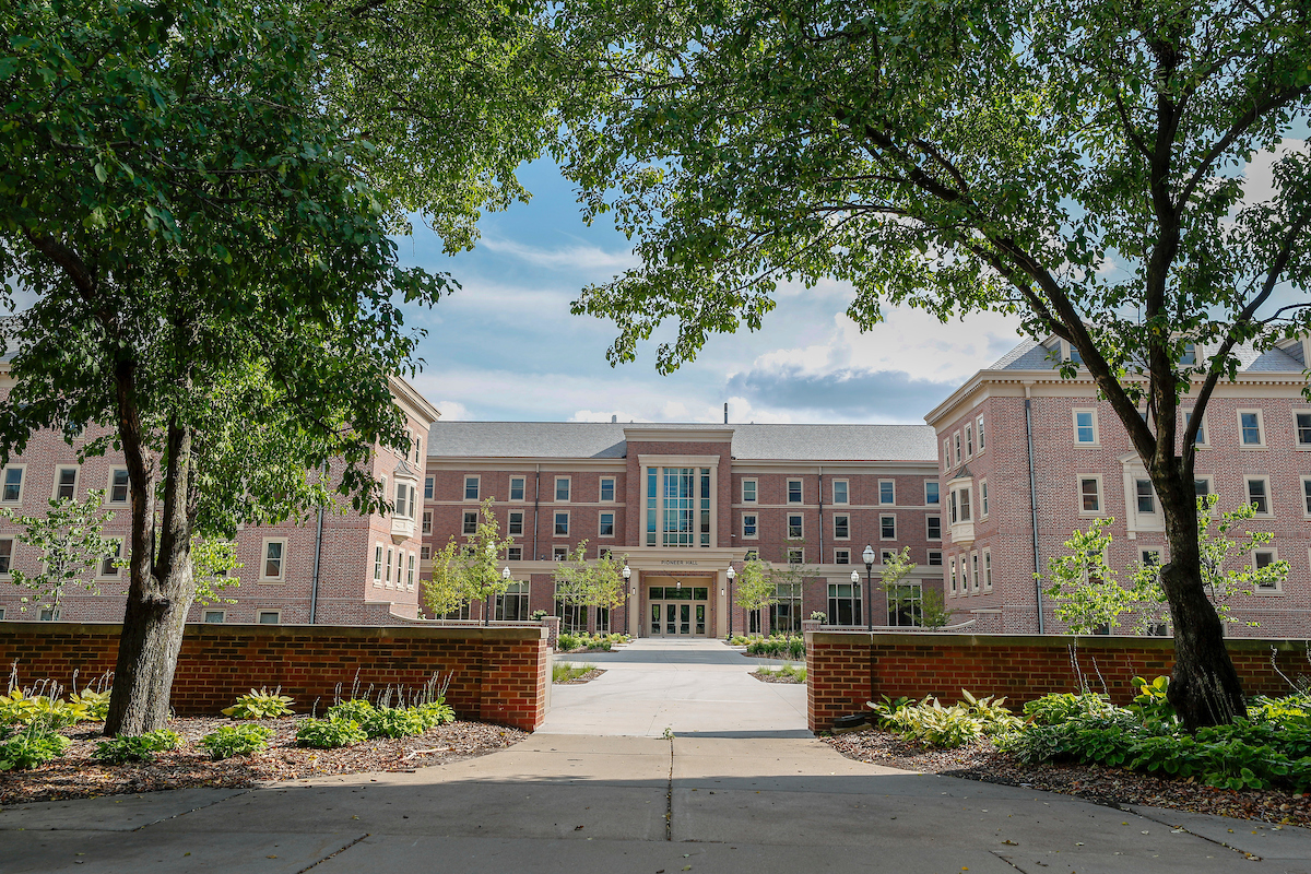 Pioneer Hall | Housing And Residential Life With Univ Of Mn Academic Calendar Twin City Campus