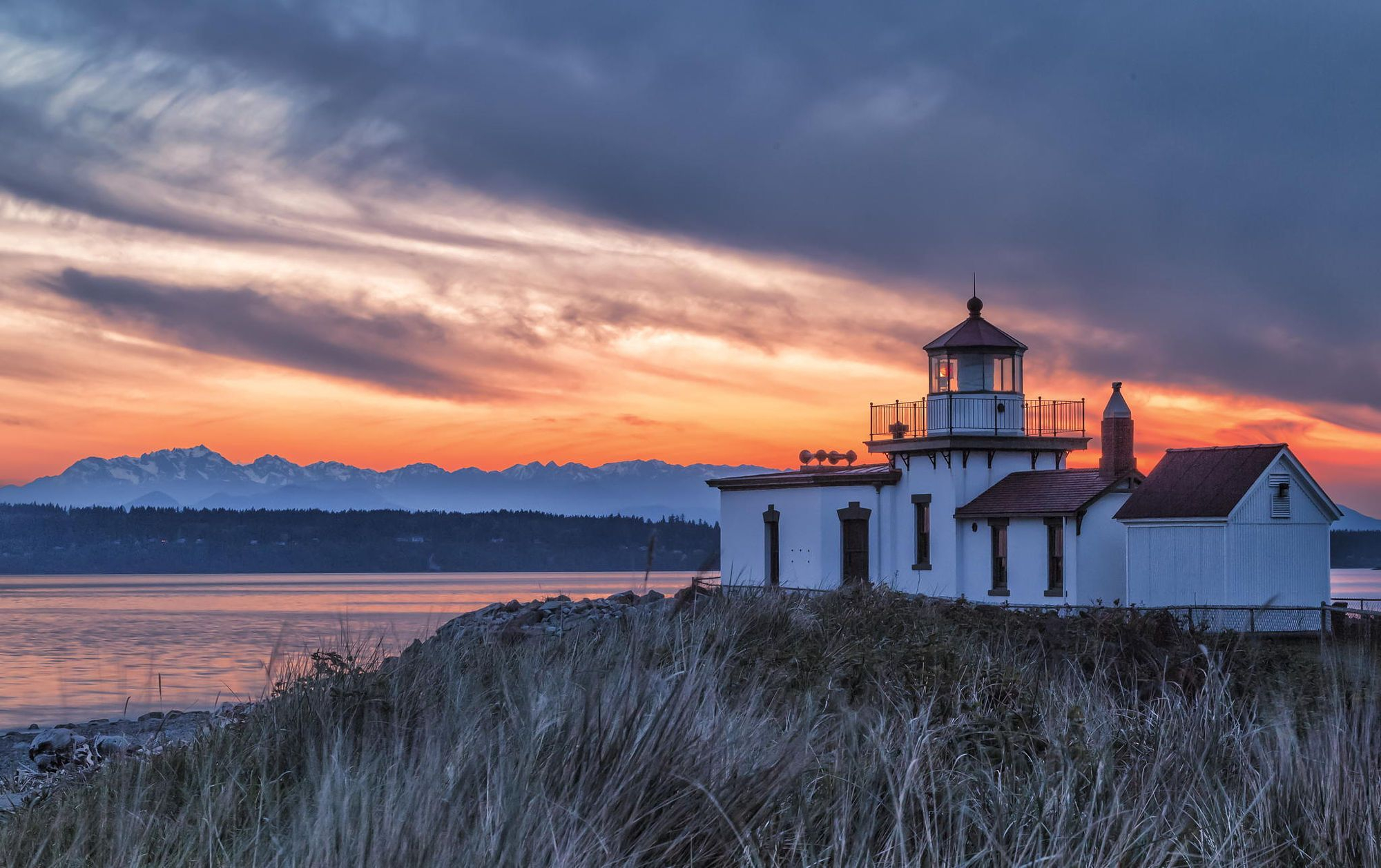 Seattle Sunset At The Discovery Park Lighthouse   Sunset Throughout What Time Is Sunset In Zip Code 98446