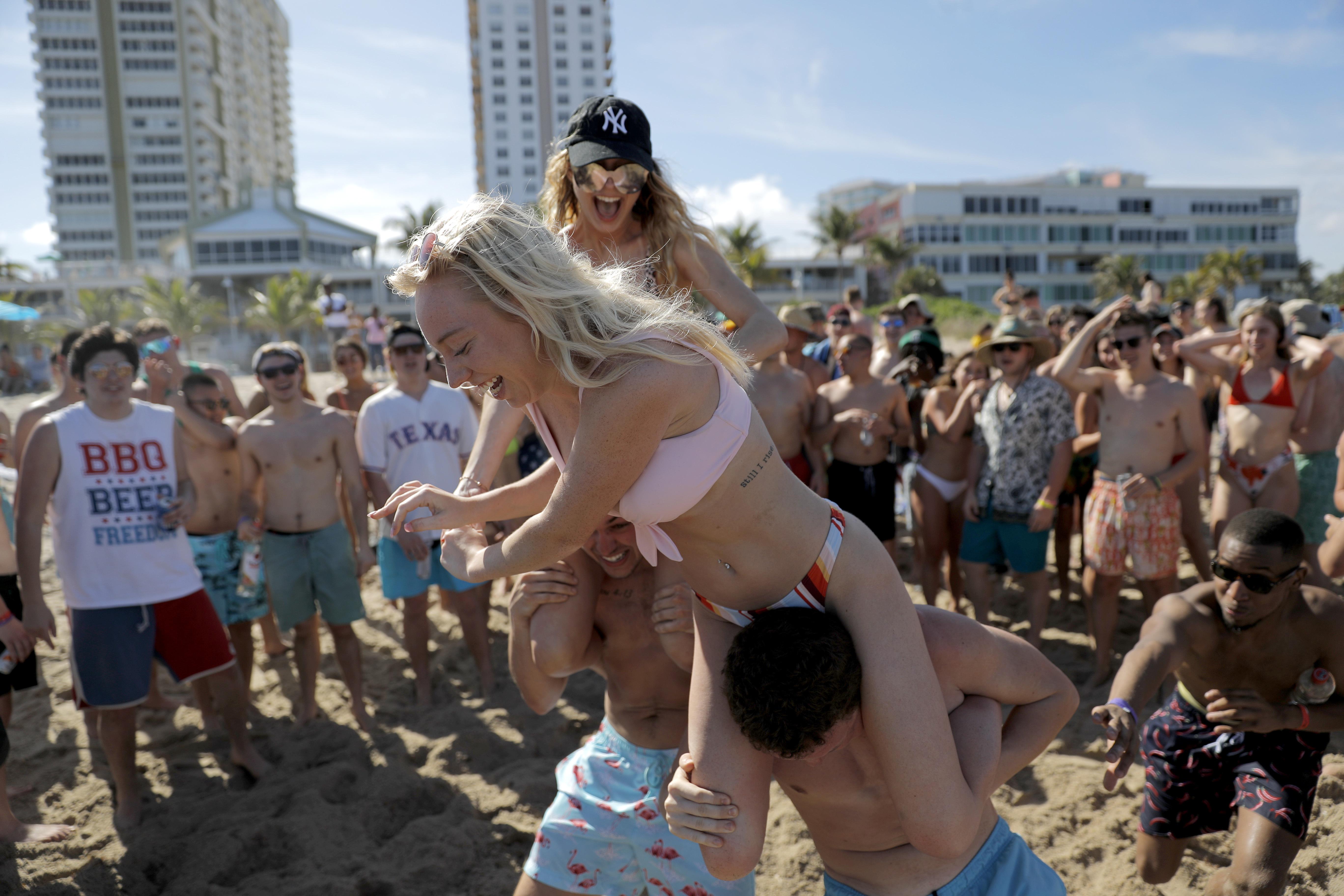 Coronavirus Rebels From France To Florida Ignoring Lockdown Inside Tampa University Spring Break