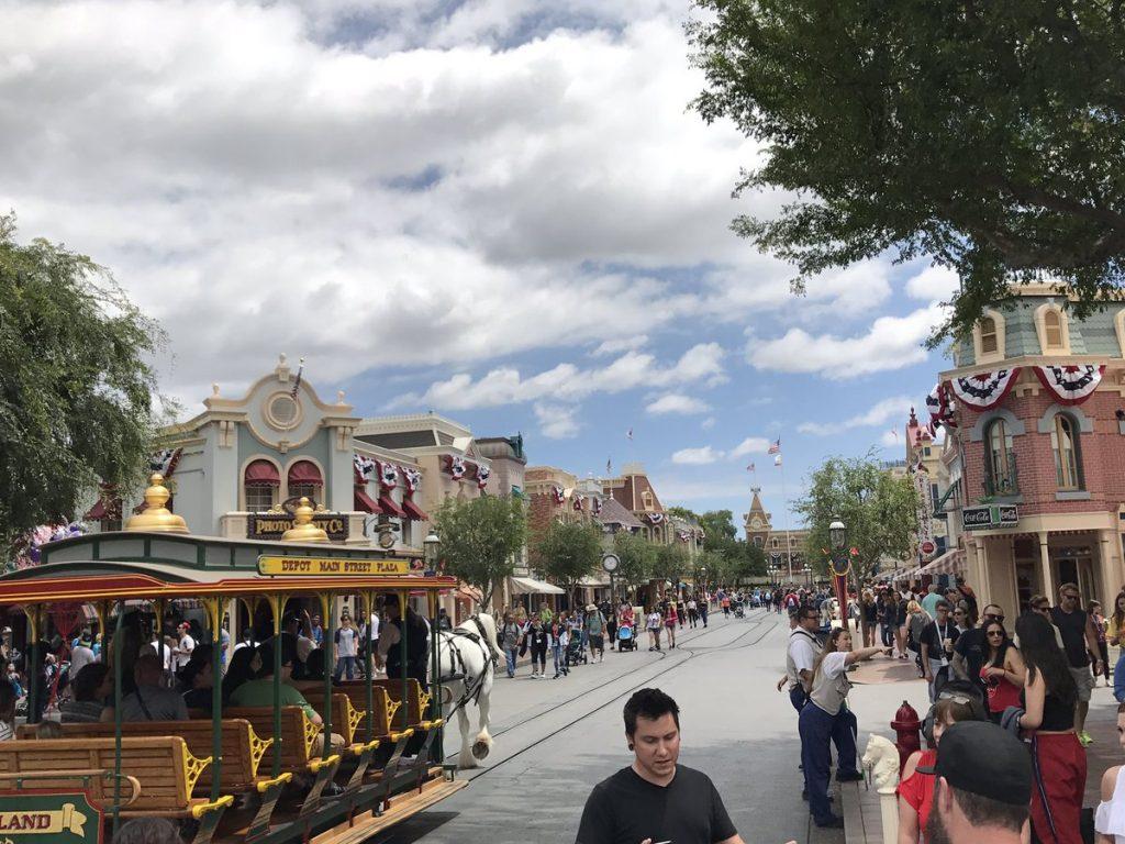 Disneyland In May: Best & Worst Days To Go – Is It Packed For Is It Packed Disneyland Calendar