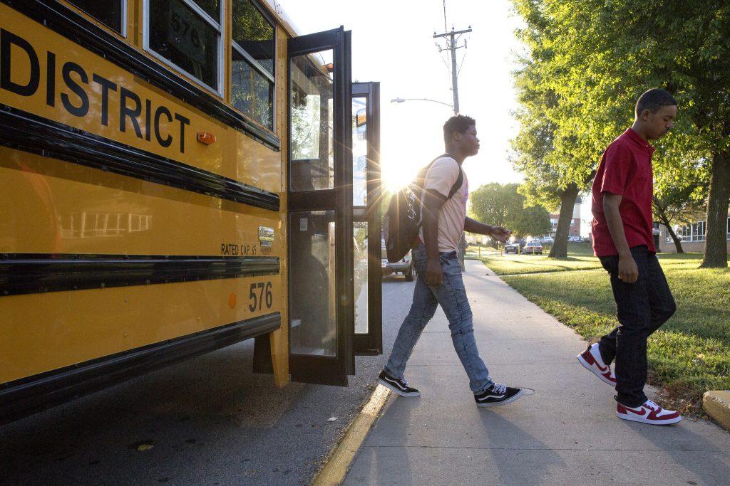 Here Comes The Bus App - Des Moines Public Schools Pertaining To Des Moines Public Schools Calendar