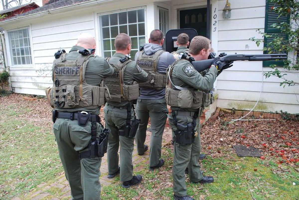 Marshall Co. Sheriff'S Special Ops Team Trains Often Throughout Marshall County Ten School Calendar