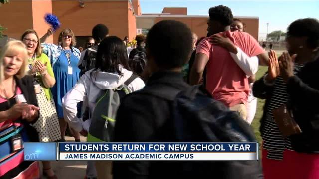 Mps Schools Using New, Early Start Calendar Begin - Tmj4 Within University Milwaukee Academic Calender