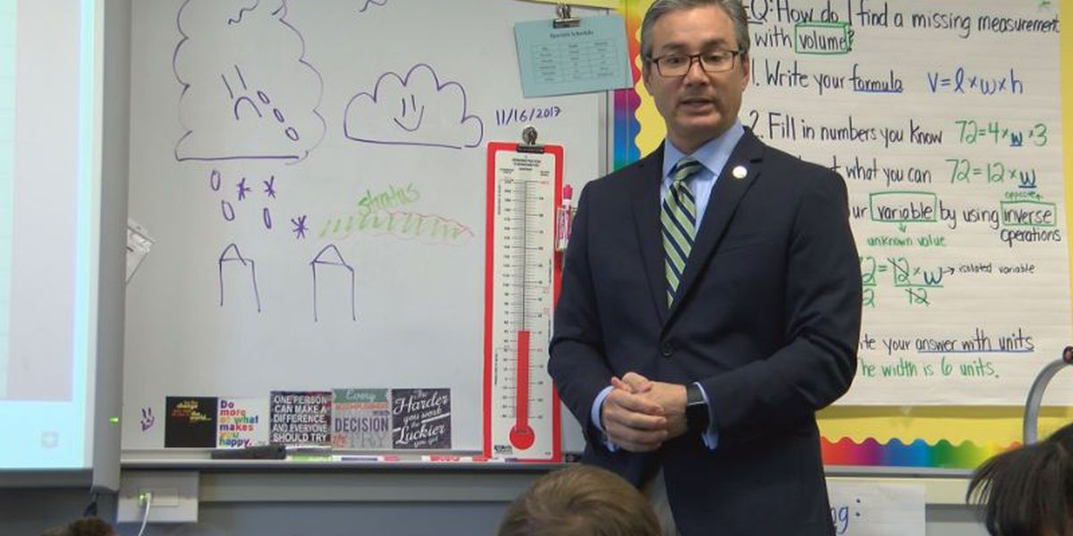 Senator Lee Pays Visit To Castle Hayne Elementary For Castle North Middle School Calendar