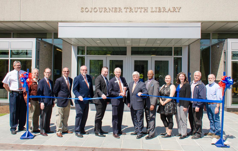 Suny New Paltz Library Renovation Is Complete | Wamc With Regard To Suny New Paltz School Caledar