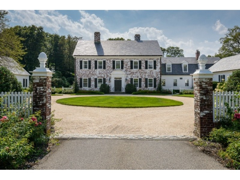 Wow House: Georgian Colonial In Oyster Bay Cove In Town Of Oyster Bay Calendar