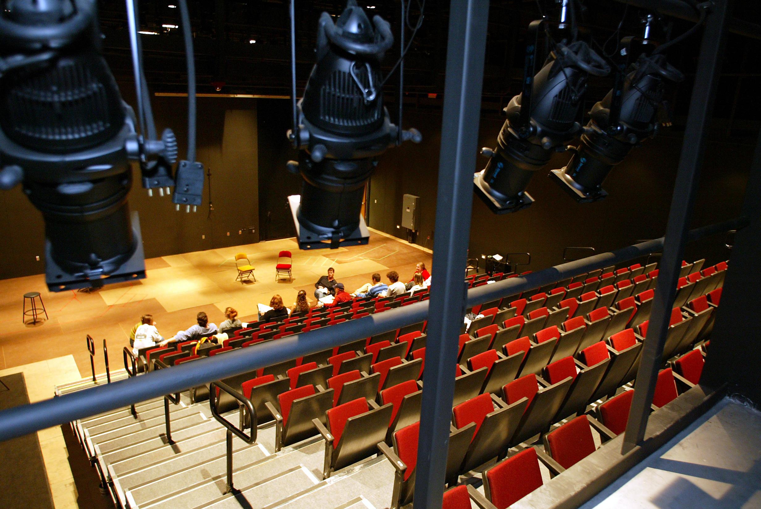 The Oscar Larson Performing Arts Center | South Dakota Within Unrsity Of South Dakota School Break Schedule