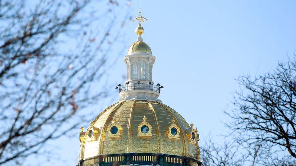 Top Regulator Warns Of Covid 19 Hazards Inside Iowa Capitol In Des Moines Public Schools Calendar 2021