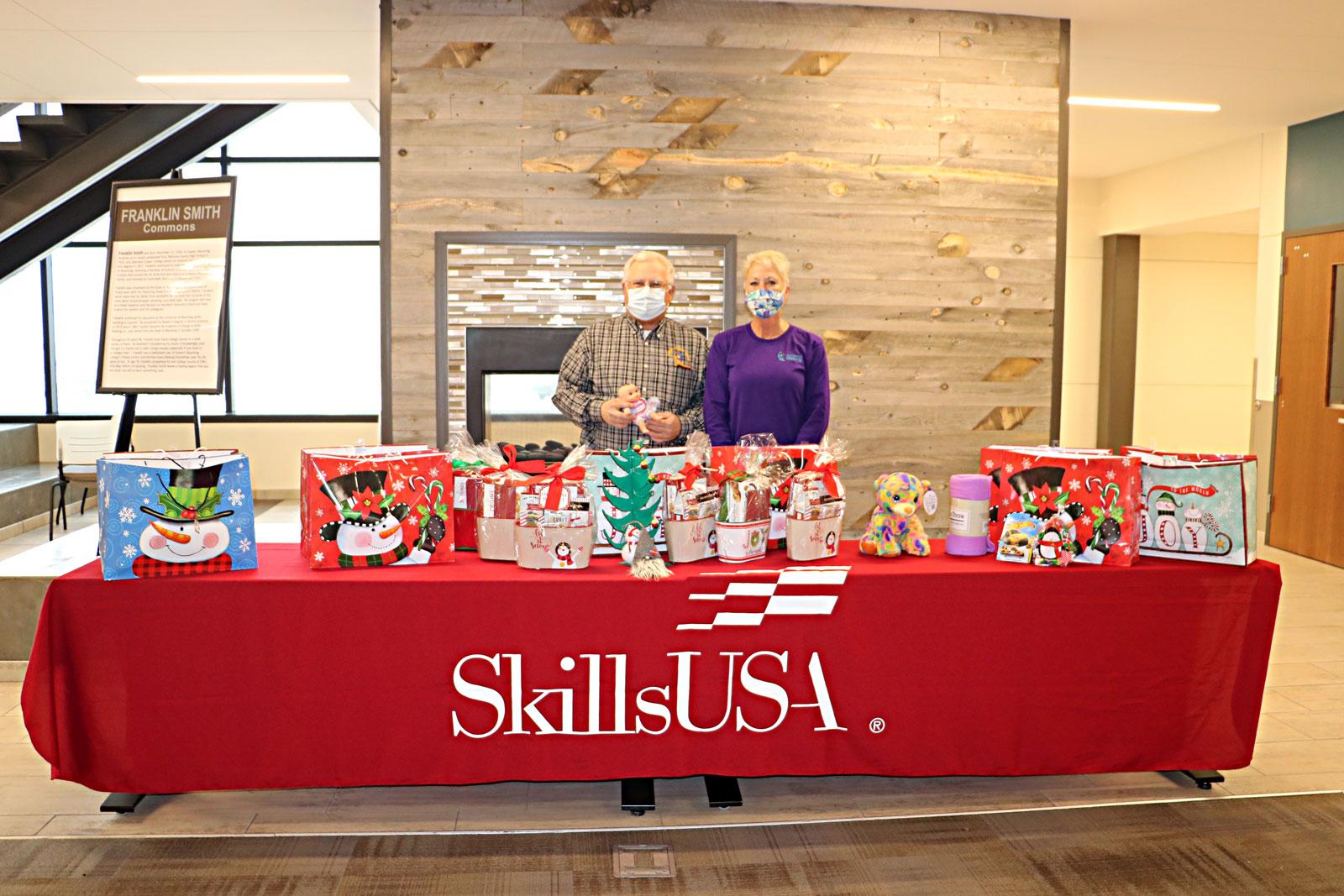 Ewc Skillsusa Members Donate Gifts To The Torrington For Spokane Community College Christmas Break Dates 2021