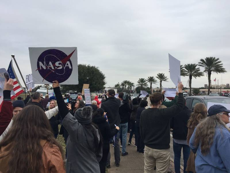 Live: Protest At Nasa'S Johnson Space Center Over Shutdown Intended For Houston Fire Schedule