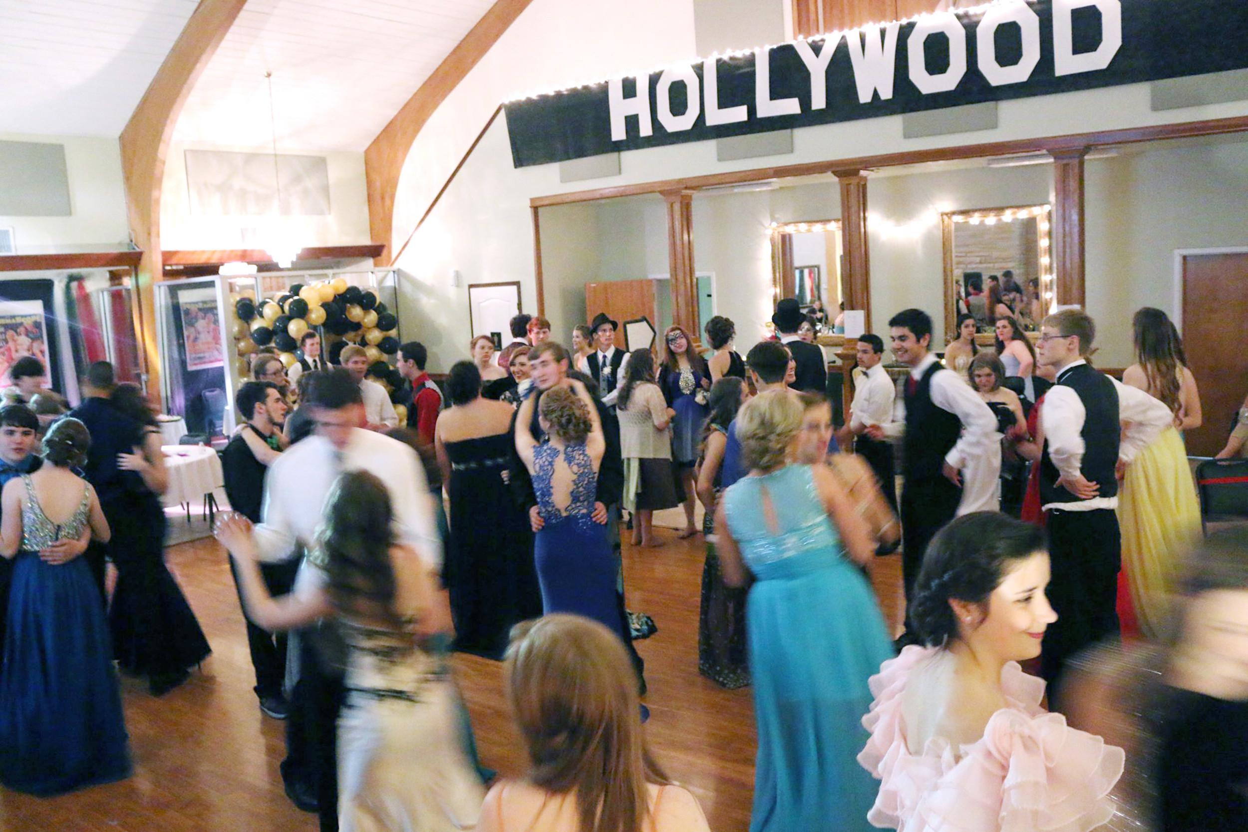 Upper Cumberland Prom Offering Seaside Fun | Herald Citizen For Cookeville School Calendar